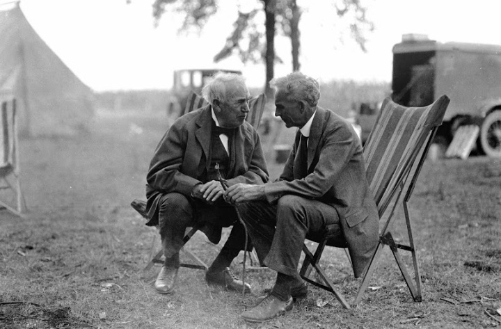 1923_Thomas-Edison_and_Henry-Ford-camping-trip